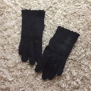 Vintage black felt women's gloves w/ wrist detail